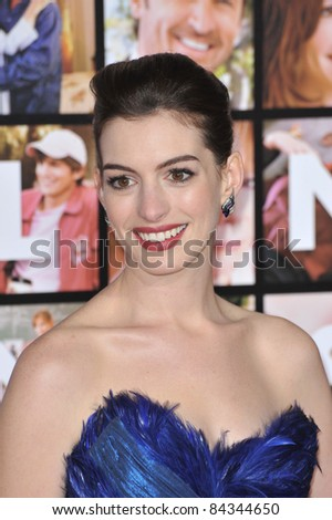 "Anne Hathaway at the world premiere of her new movie ""Valentine's Day"" at Grauman's Chinese Theatre, Hollywood. February 8, 2010  Los Angeles, CA Picture: Paul Smith / Featureflash"