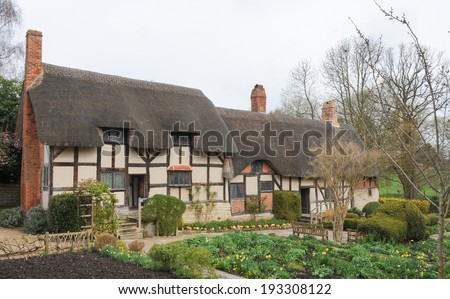 Anne Hathaway's Cottage, where William Shakespeare courted his future bride, in a hamlet called Shottery in the Parish of Stratford upon Avon. It is now run by the Shakespeare Birthplace Trust. - stock photo
