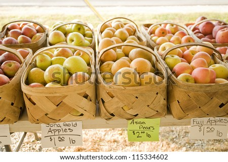 Apples at the farmer's market - stock photo