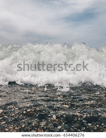 Approaching wave