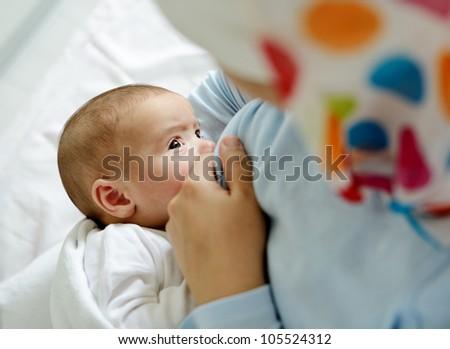 Breast feeding your baby in islam
