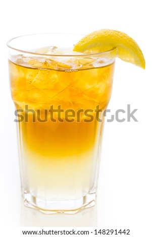 Arnold Palmer cold drink with lemon wedge.