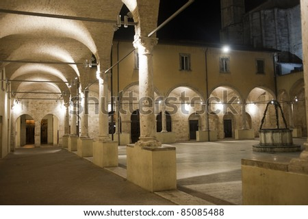 Ascoli Piceno (Marches, Italy): Cloister of ancient church by night