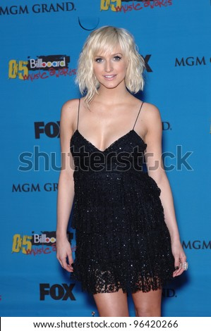 ASHLEE SIMPSON at the 2005 Billboard Music Awards at the MGM Grand, Las Vegas. December 6, 2005  Las Vegas, NV  Paul Smith / Featureflash