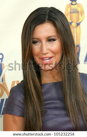 Ashley Tisdale at the 2009 MTV Movie Awards Arrivals. Gibson Amphitheatre, Universal City, CA. 05-31-09