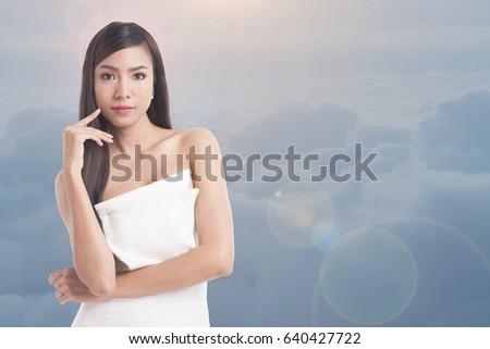 Emily ratajkowski shower