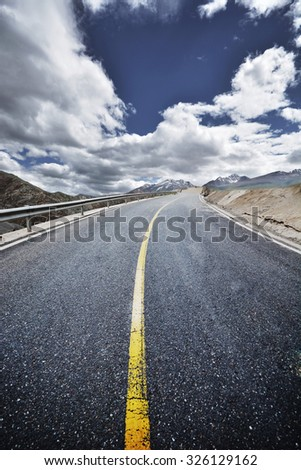 Asphalt road in tibet