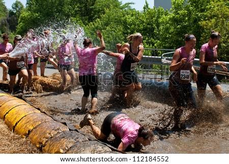 dirty girl run mud wrestling