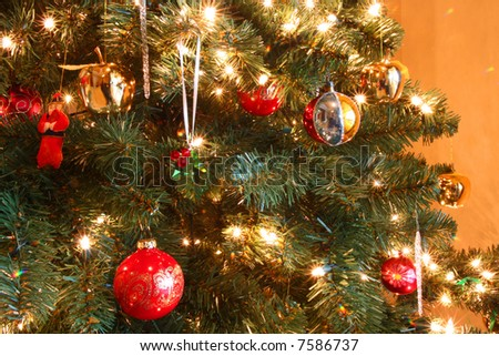 Attractive Christmas Tree Decorations