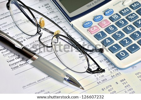 Audit the financial report of a company
