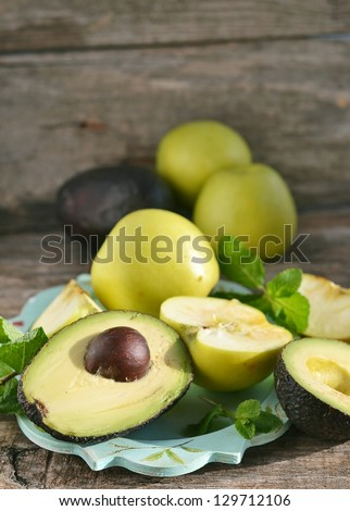 avocado and green apples