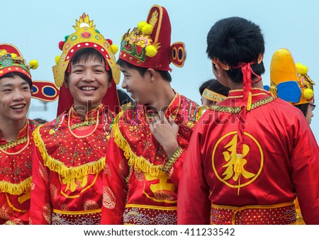BAC Ninh, Vietnam, April 19, 2016 Participatory group festivals, temples Do, Bac Ninh province, Vietnam, Ly dynasties honor