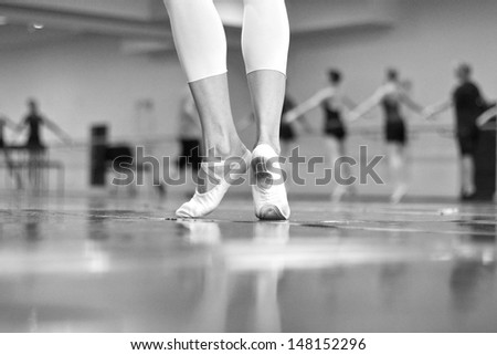 Ballet dancers in repetition, monochrome
