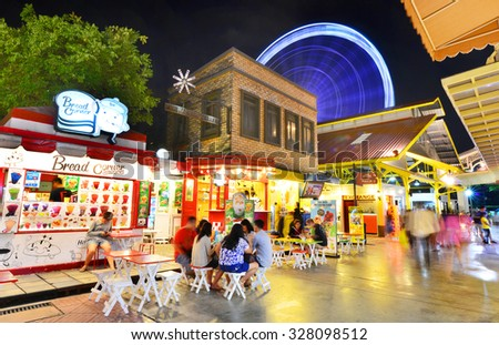 BANGKOK - October 15 : ASIATIQUE The Riverfront Factory District on October 15, 2015 in Bangkok, Thailand. Over 500 fashion boutiques housed in Factory District of Asiatique The Riverfront.