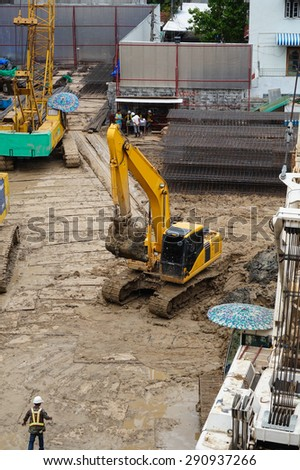 BANGKOK, THAILAND - JUNE 25: Workers excavations The construction of large buildings  on JUNE 25, 2015 in BANGKOK, Thailand. - stock photo