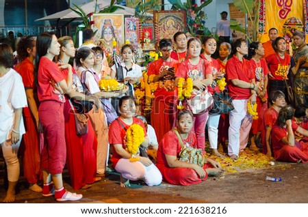 BANGKOK, THAILAND - OCTOBER 5 : group of people waiting to pray for their gods in  Navaratri Festival, a parade of hinduism god once a year, October 5, 2014 at Silom Road, Bangkok, Thailand