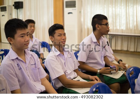 BANGPROK PATHUMTANI THAILAND OCTOBER 2016 :Unidentified teacher and student meeting for math camp on October 4,2016 in Pathumwilai school,Pathum,Bangprok,Muang,Patumtani,Thailand.