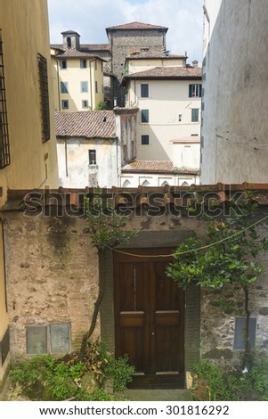Barga (Lucca, Tuscany, Italy): buildings in the historic town in Garfagnana