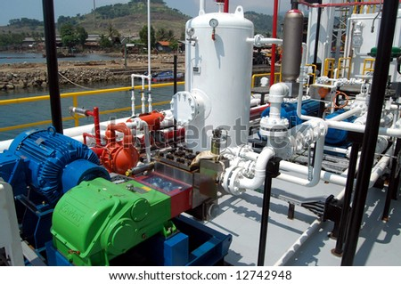 barge oil well tester facility