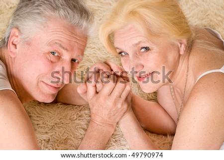 Старые с молодыми порно видео, взрослые женщины с молодыми парнями