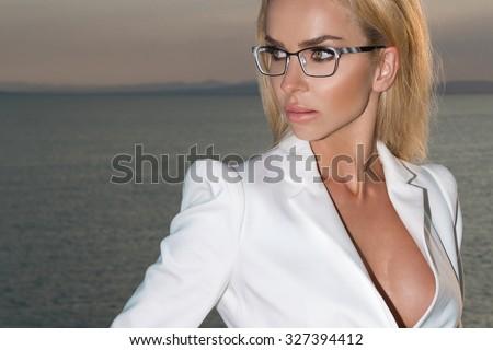 Daughter looses virginity slut load