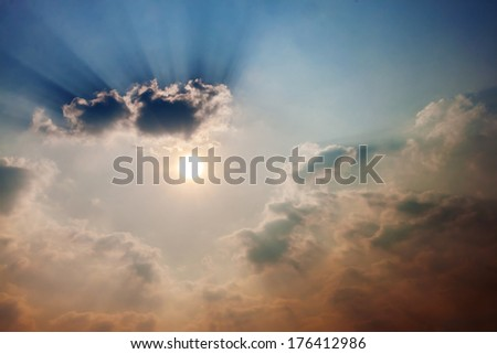 beautiful cloud and sun rays