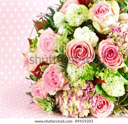 beautiful flowers bouquet of pink roses