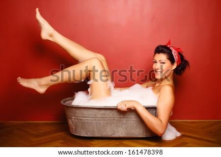 sexy-legs-glamor-topless-namitha