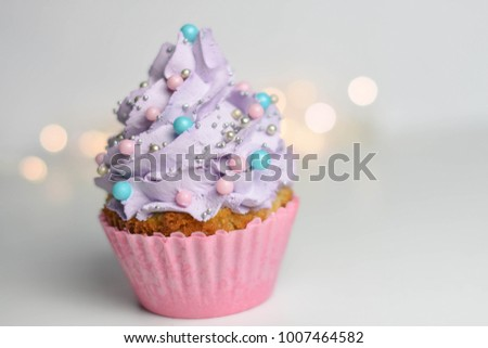Beautiful pastele cupcake.