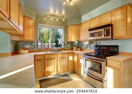 beautiful traditional kitchen with hardwood floor inside luxury home - Inside Luxury Kitchens