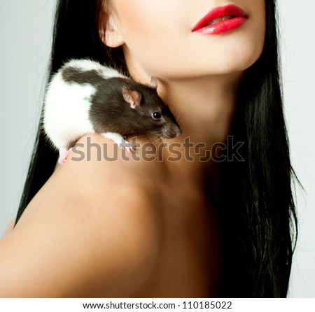beautiful woman with a rat