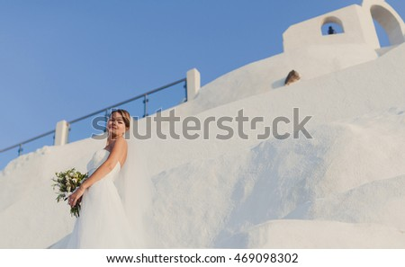 Beautiful young  bride  on Santorini