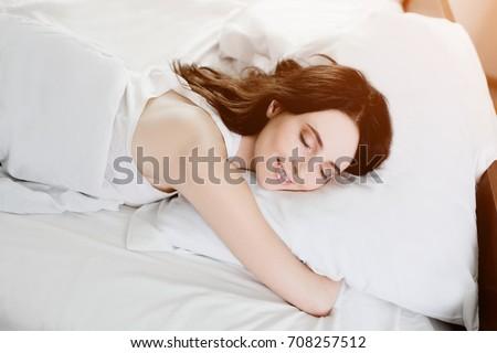 girlfriend in the nude sleeping