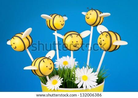 Bee cake pops - stock photo