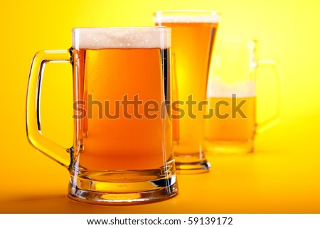 Beer's on yellow background