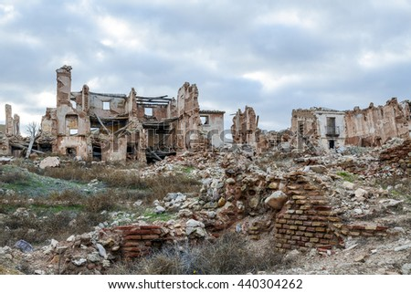 Belchite is a town in the province of Zaragoza Spain. Is known to have been the scene of one of the symbolic battles of the Spanish Civil War, the Battle of Belchite. Now it is abandoned.