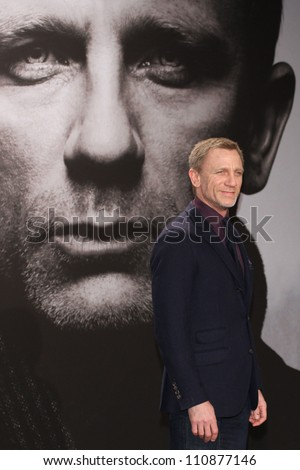 BERLIN, GERMANY - JANUARY 05: Daniel Craig attends the 'The Girl With The Dragon Tattoo' Germany Premiere at the Cinestar movie theater on January 5, 2012 in Berlin, Germany. - stock photo
