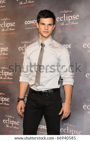 BERLIN - JUNE 18: Taylor Lautner attends the Photocall of 'The Twilight Saga: Eclipse' at The Regent Hotel. June 18, 2010 in Berlin, Germany. - stock photo