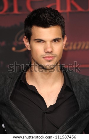 BERLIN - NOVEMBER 18: Taylor Lautner attends the Germany Premiere of 'The Twilight Saga: Breaking Dawn Part 1 on November 18, 2011 in Berlin, Germany.