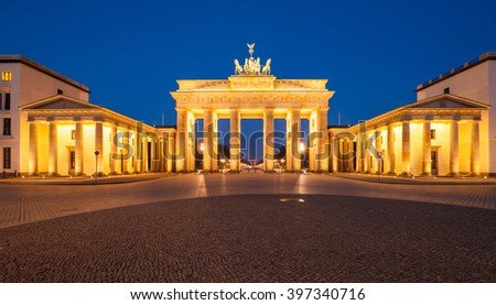 Berlin's Brandenburg Gate (Brandenburger Tor) at dusk