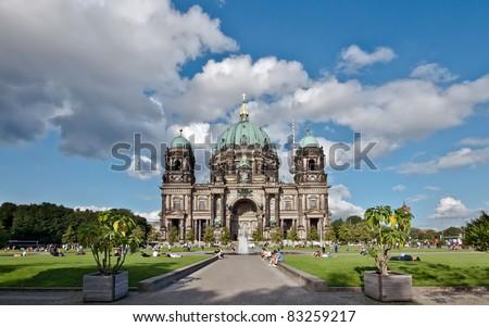 Berliner Dom und Lustgarten - stock photo