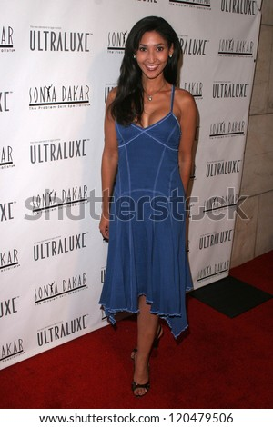 Bettina Bush at the Sonya Dakar Skin Clinic Opening. Sonya Dakar SKin Clinic, Beverly Hills, CA. 10-24-06