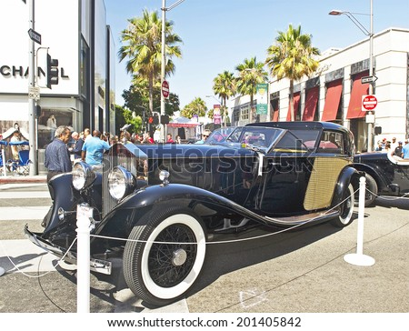 """BEVERLY HILLS, CALIFORNIA - JUNE 15, 2014: 1930 Rolls Royce Phantom II Town Car by Brewster """"Constance Bennet"""" at the Rodeo Drive Concours D'Elegance on June 15, 2014 Beverly Hills, California, USA  - stock photo"""