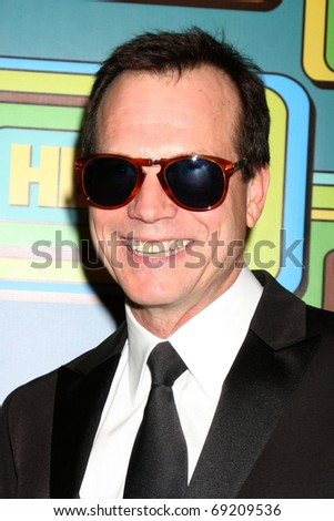 BEVERLY HILLS - JAN 16:  Bill Paxton arrives at the HBO Golden Globe Party 2011 at Circa 55 at the Beverly Hilton Hotel on January 16, 2011 in Beverly Hills, CA
