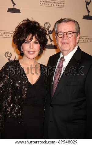 BEVERLY HILLS -  JAN 20:  Carol Bayer Sager and Bob Daly arrive at the ATAS Hall of Fame Committee's 20th Annual Induction Gala at Beverly Hills Hotel on January 20, 2011 in Beverly Hills, CA