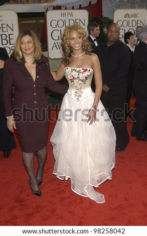 BEYONCE KNOWLES & mother at the Golden Globe Awards at the Beverly Hills Hilton Hotel. 19JAN2003.  Paul Smith / Featureflash - stock photo