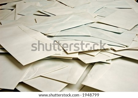 big pile of scattered envelopes