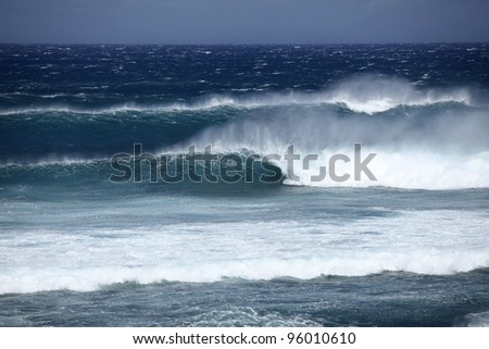 Big wave crashing
