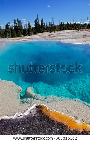 Black pool in yellowstone, Wyoming