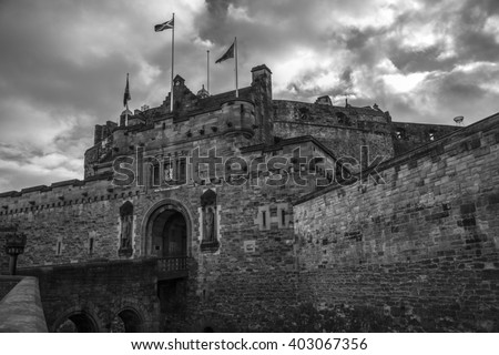Black & white image of the entrance to Edinburgh Castle, in the heart of Edinburgh City. The castle has become a symbol of Edinburgh and is the most visited tourist attraction in Scotland.